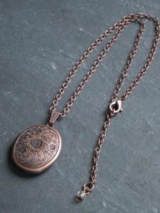 Romantisches Kupfer-Medaillon