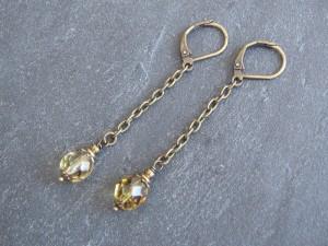 Kleine Honigtropfen-Ohrringe